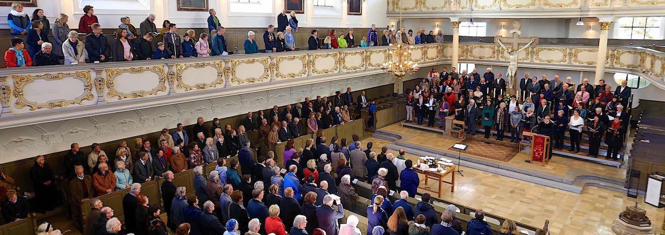 Die Kantorei der Dreifaltigkeitskirche im Gottesdienst